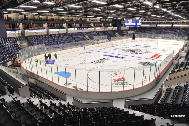 Le Palais des sports de Sherbrooke est l'un... (Archives La Tribune)