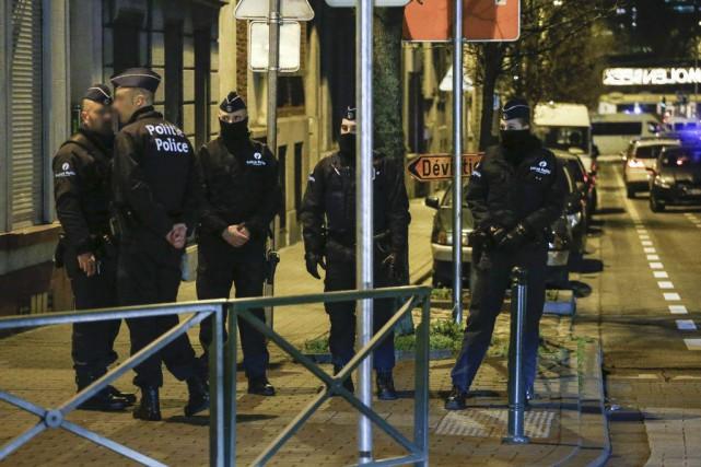 La tension demeure vive dans les rues de... (Thierry Roge, AFP)