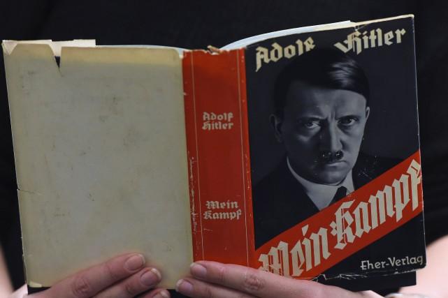 Le pamphlet Mein Kampf d'Adolph Hitler, que l'on... (Agence France-Presse)
