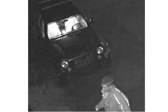 L'homme au volant d'un Jeep Liberty a débarqué... (Fournie par le Service de police de Granby)