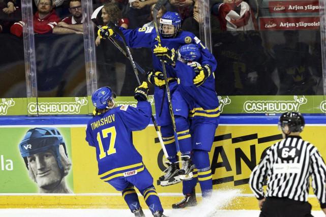 Alexander Nylander et Gustav Forsling ont récolté un... (Photo AFP)