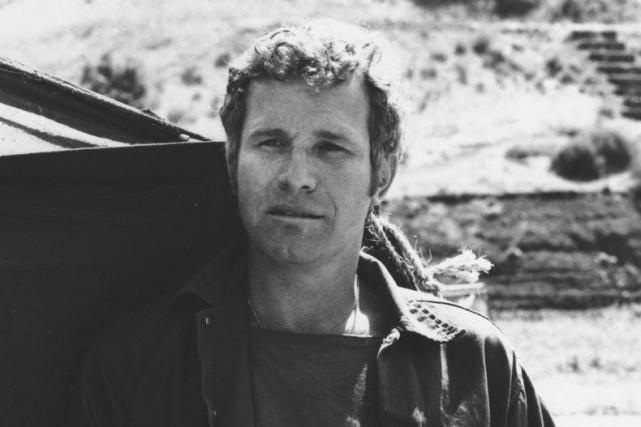 Wayne Rogers dans le rôle de Trapper John... (Photo CBS / AP)