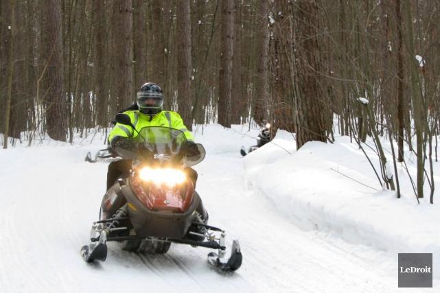 Deux motoneigistes ont été retrouvés en état d'hypothermie... (Archives, LeDroit)