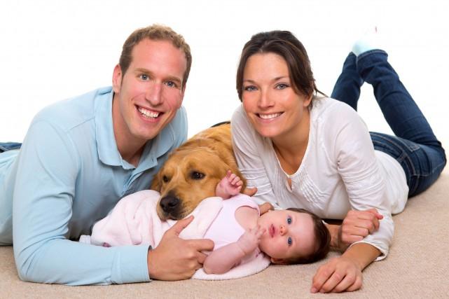Le taux d'activité des mères est influencé différemment... (Photo 123RF)