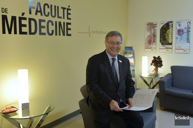 À 66 ans, le Dr Rénald Bergeron, doyen... (Le Soleil, Pascal Ratthé)