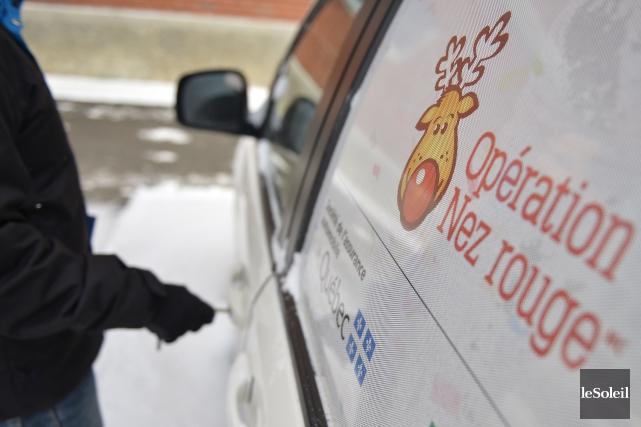 Bon an mal an, au moins 40000bénévoles effectuent... (Photo Yan Doublet, archives Le Soleil)