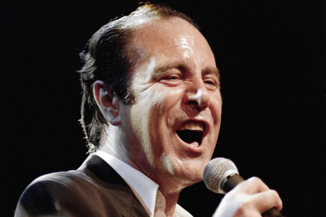 Michel Delpech en spectacle à l'Olympia de Paris... (PHOTO ARCHIVES AFP)
