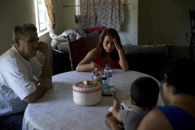Une famille hondurienne habitant Los Angeles et menacée... (Photo archives AP)