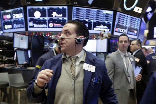 La moyenne Dow Jones des valeurs industrielles a... (Photo Associated Press)
