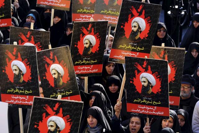 Des femmes ont manifesté en Iran, lundi.... (AFP, Atta Kenare)