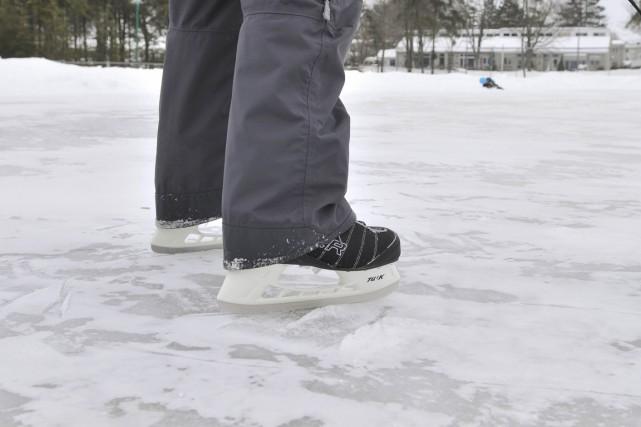 Les 34 patinoires de Trois-Rivières devraient être ouvertes... (Archives)