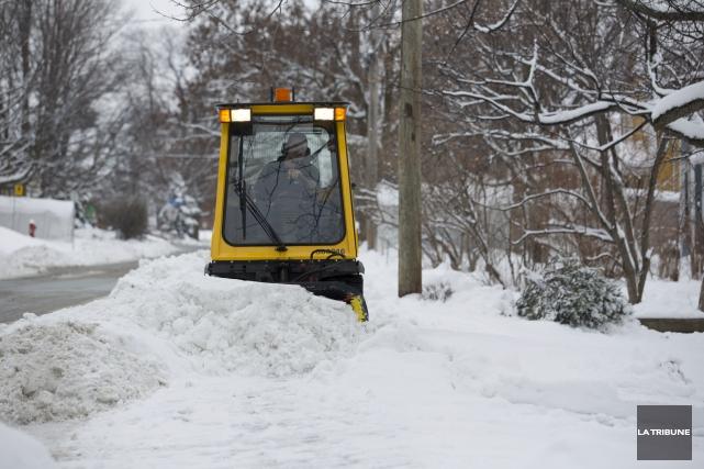 Ha! Comme la neige a bien neigé sur notre Sherbrooke. J'aime l'hiver et j'aime... (Archives, La Tribune)