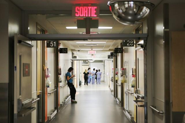 Plusieurs salles d'urgence sont actuellement plus calmes que... (PHOTO MARTIN CHAMBERLAND, ARCHIVES LA PRESSE)