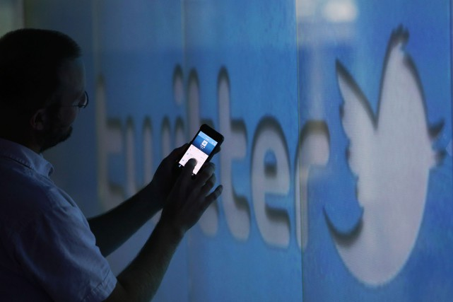 Le réseau social américain Twitter, qui cherche des moyens d'élargir son... (PHOTO CHRIS RATCLIFFE, ARCHIVES BLOOMBERG)