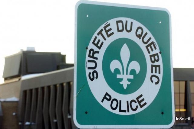 La Sûreté du Québec a fait le guet autour d'une résidence de... (Photothèque Le Soleil)