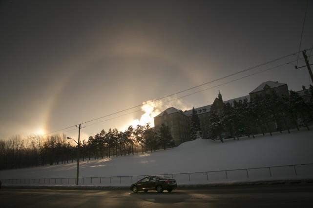 Les Estriens ont pu être témoins d'un phénomène spectaculaire, mardi matin, par... (Spectre Média, René Marquis)