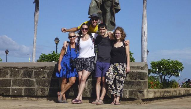 Charles, Denise et leurs enfants au Nicaragua.... (Photo fournie par Denise Blanchard)