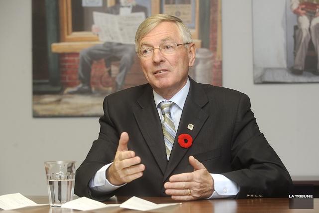 L'ancien maire de Sherbrooke Jean Perrault n'a que... (Archives, La Tribune)