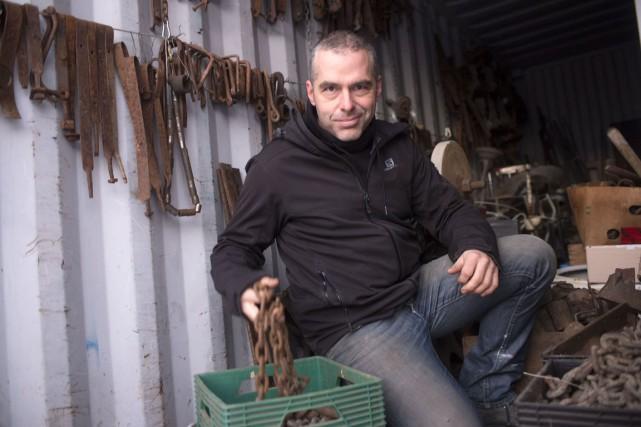 Michel Rousseau, de Charette, utilise du bois et... (Stéphane Lessard)