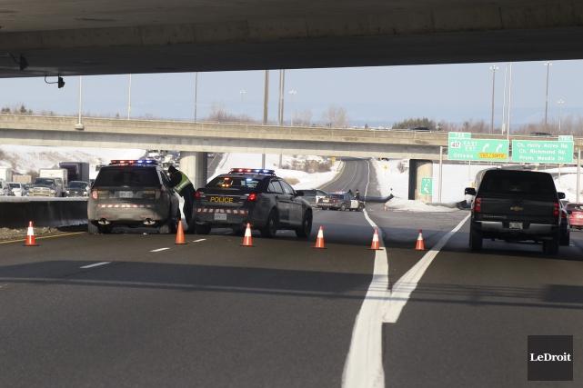 L'accident a causé beaucoup de congestion à la... (Patrick Woodbury, LeDroit)