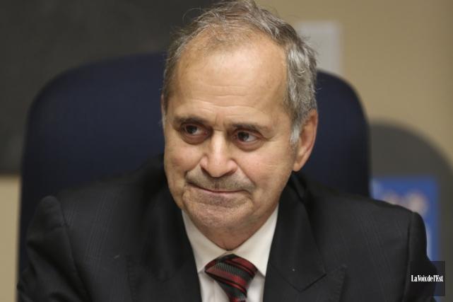 Le maire de Cowansville, Arthur Fauteux, a repris... (archives La Voix de l'Est)
