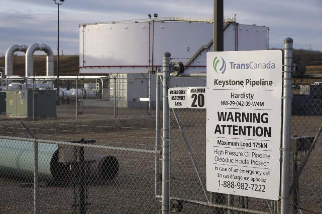 Le projet d'oléoduc Keystone XLde 1900 kilomètres devait... (La Presse Canadienne, Jeff McIntosh)