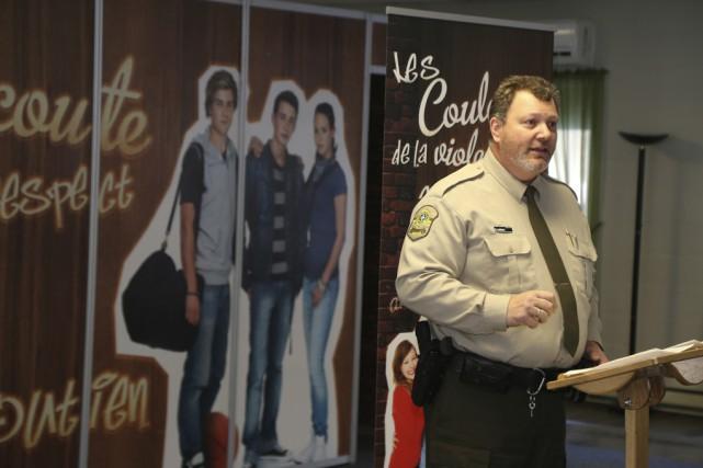 Le policier Sylain Leblanc a proposé le projet... (Janick Marois)