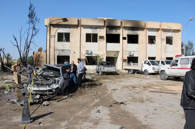 Un kamikaze a fait détoner les explosifs à... (PHOTO REUTERS/STRINGER)