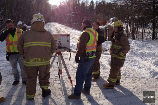 Une opération de sauvetage est en cours au... (PHOTO JANICK MAROIS, LA VOIX DE L'EST)