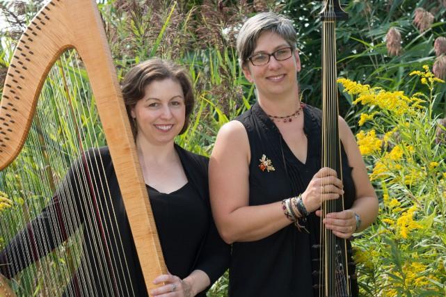 Sara Lackie et Madeleine Owen, de l'ensemble musical... (André Chevrier)