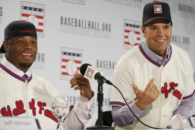 Ken Griffey Jr. et Mike Piazza ont été... (Photo Kathy Willens, AP)