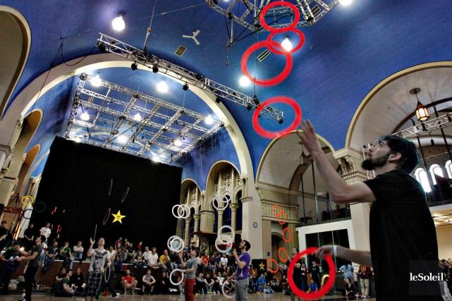 Jusqu'à dimanche, l'École de cirque, dans Limoilou, accueillera... (Le Soleil, Pascal Ratthé)