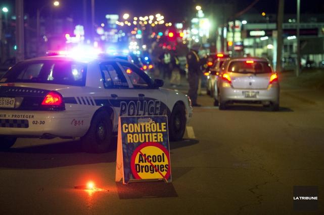 En Estrie et au Centre-du-Québec, les policiers de... (Archives, La Tribune)