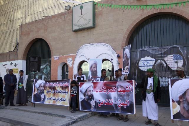 Des manifestations dénonçant l'exécution du cheikh saoudien Nimr... (AFP, Mohammed Huwais)