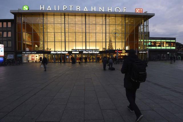 La gare centrale de Cologne en Allemagne, sur... (AFP, Roberto Pfeil)