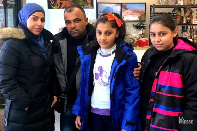Wardaet Mohammad Alhamo et leurs deux jeunes filles... (Photo collaboration spéciale Éric Beaupré)