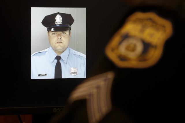 L'homme qui était à pied a visé la... (Associated Press, Matt Rourke)