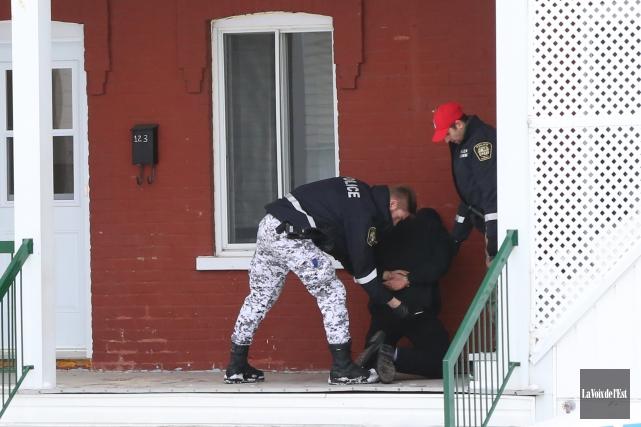 Un homme en détresse a été arrêté par... (photo Janick Marois, La Voix de l'Est)