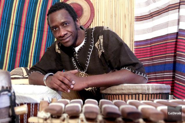Le Néogatinois Oumar N'Diaye lance un nouvel album au Troquet, ce soir. Le... (Patrick Woodbury, LeDroit)