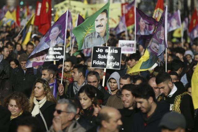 Alors que Paris commémore les attentats djihadistes qui... (PHOTO THOMAS SAMSON, AFP)