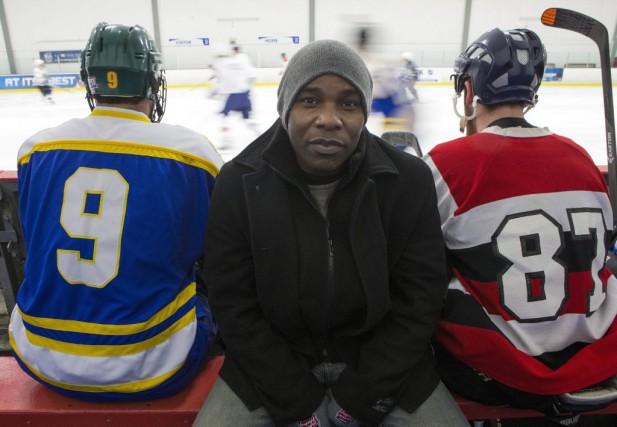 Amoureux de hockey depuis l'enfance, Damon Kwame Mason... (La Presse Canadienne, Chris Young)