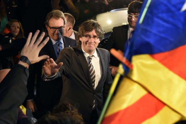 Carles Puigdemont, 53 ans, journaliste de langue catalane, est... (PHOTO AFP)