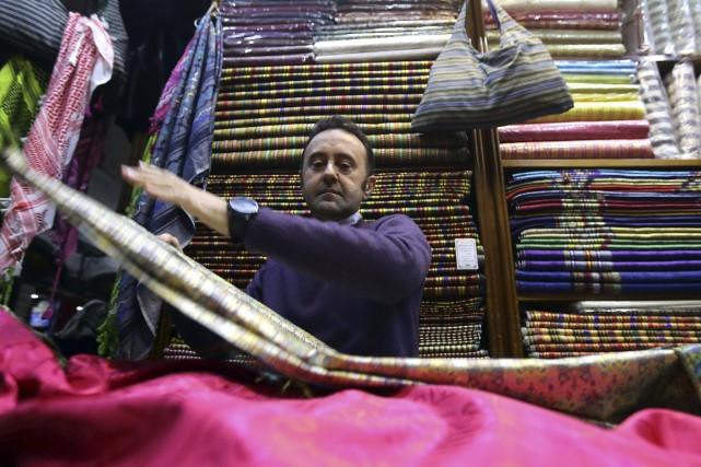 Bahaa al-Takriti dirige depuis des années des ateliers... (AFP, Louai Beshara)