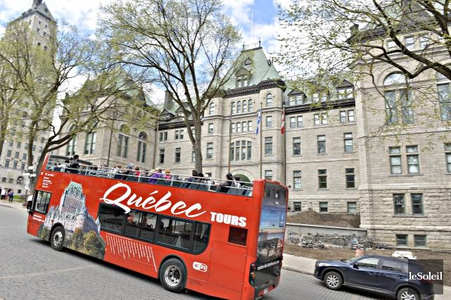 Jusqu'à maintenant, pour être guide touristique à Québec,... (Photothèque Le Soleil, Pascal Ratthé)