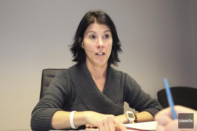 La citoyenne Martine Ruel rappelle que depuis l'arrivée... (Julie Catudal, La Voix de l'Est)