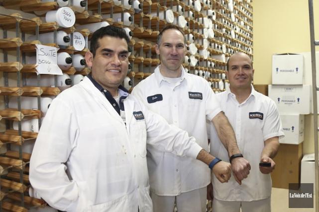 Les employés de l'usine Kerry, Carlos Chavez, Éric... (Julie Catudal, La Voix de l'Est)