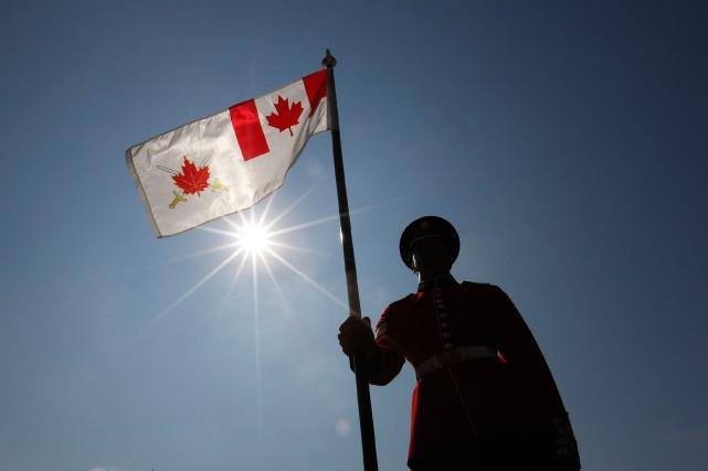 Une ancienne membre des Forces armées canadiennes a déposé une poursuite contre... (PHOTOCHRIS WATTIE, ARCHIVES REUTERS)
