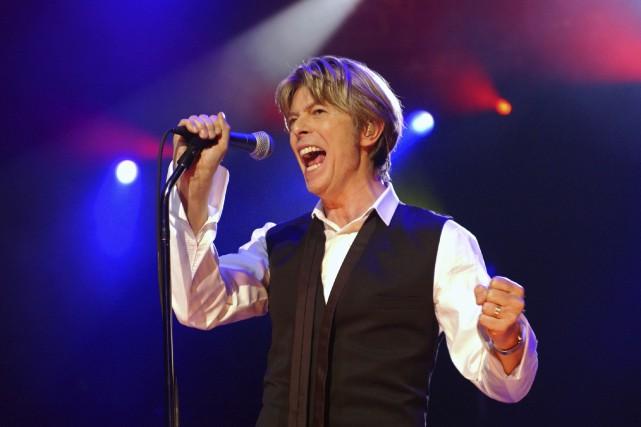 La légende du rock britannique David Bowie est... (Agence France-Presse, Bertrand Guay)