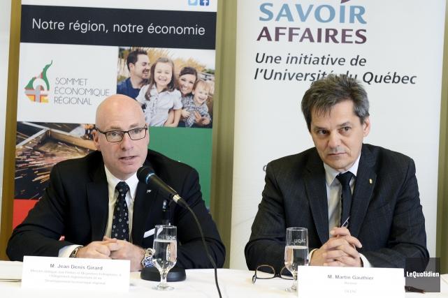 Le ministre du Développement économique régional Jean-Denis Girard... (Photo Le Quotidien, Jeannot Lévesque)