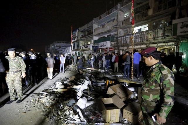 À Mouqdadiyah, au nord-est de Bagdad, 20 personnes... (PHOTO REUTERS)